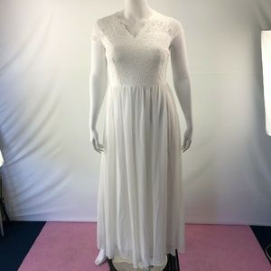 Short Sleeve Long Dress White Size 2 Extra Large